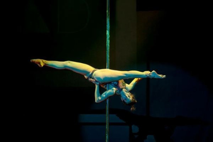 Mandy Fragiadaki Pole Dancing